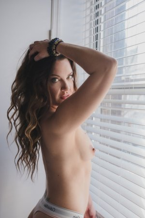Monna free sex in Santa Cruz CA & escort girl