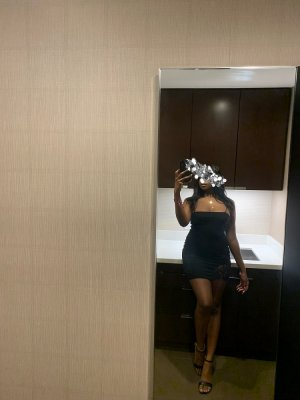 Emmylou live escort in Bristol and adult dating